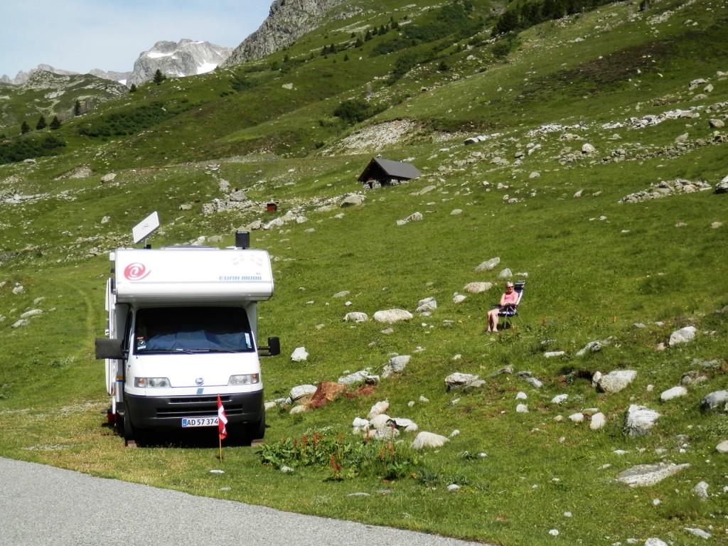 28-bjergtur-lac-du-grande-maison-pladsen-er-nu-heller-ikke-saa-ringe-1024×768