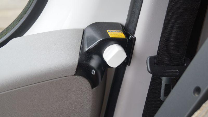 Sikring af førerhusdøre i Fiat Ducato 250