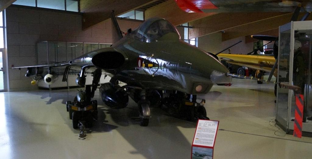 SAAB Draken F-35 der kan konsumere op til 275 l brændstof i minuttet.