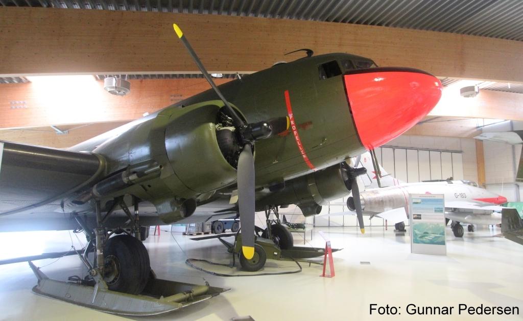 Douglas C-47A Dakota, som også findes i en civil udgave, DC3.